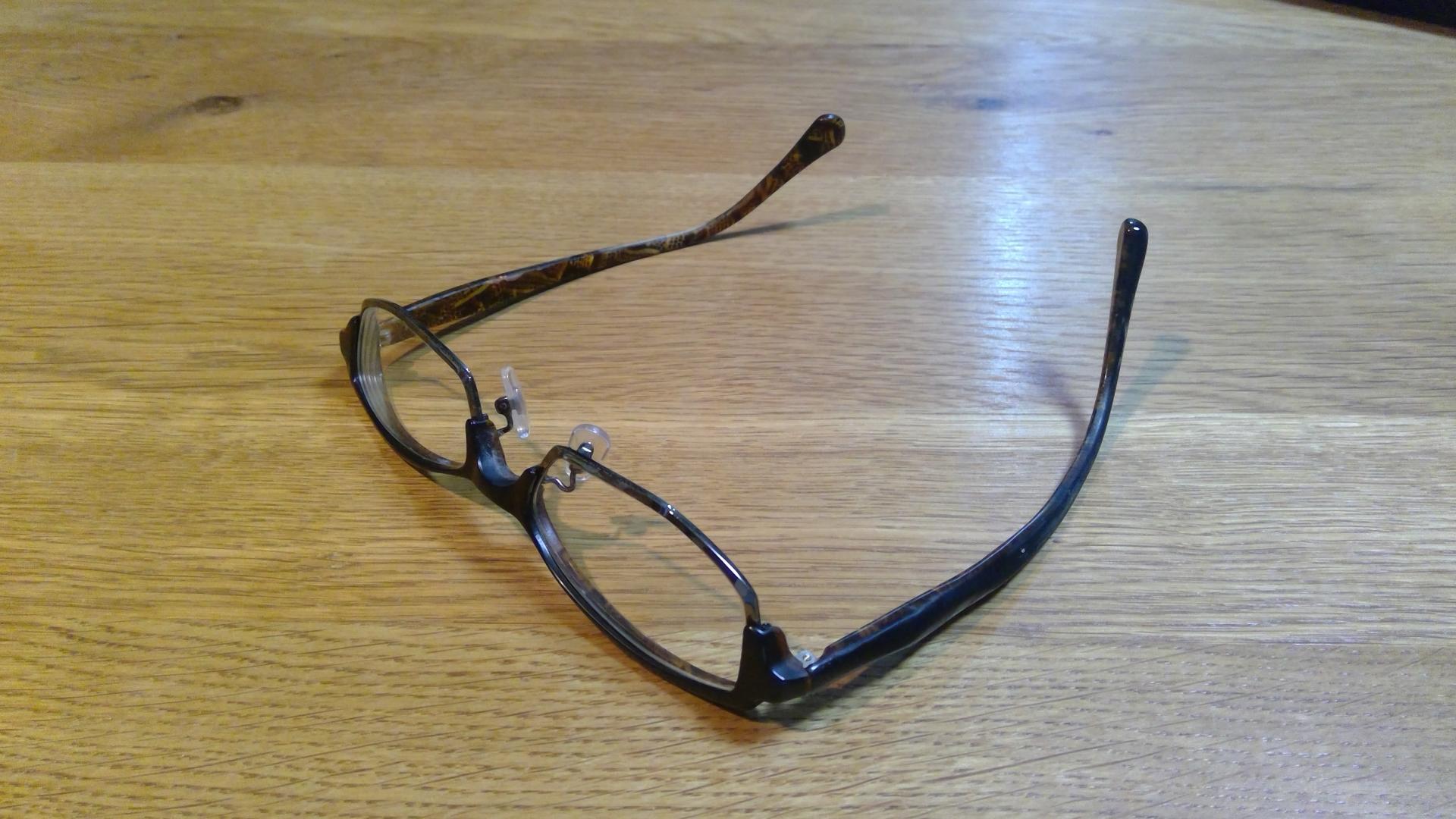 メガネが治りました(^^)/