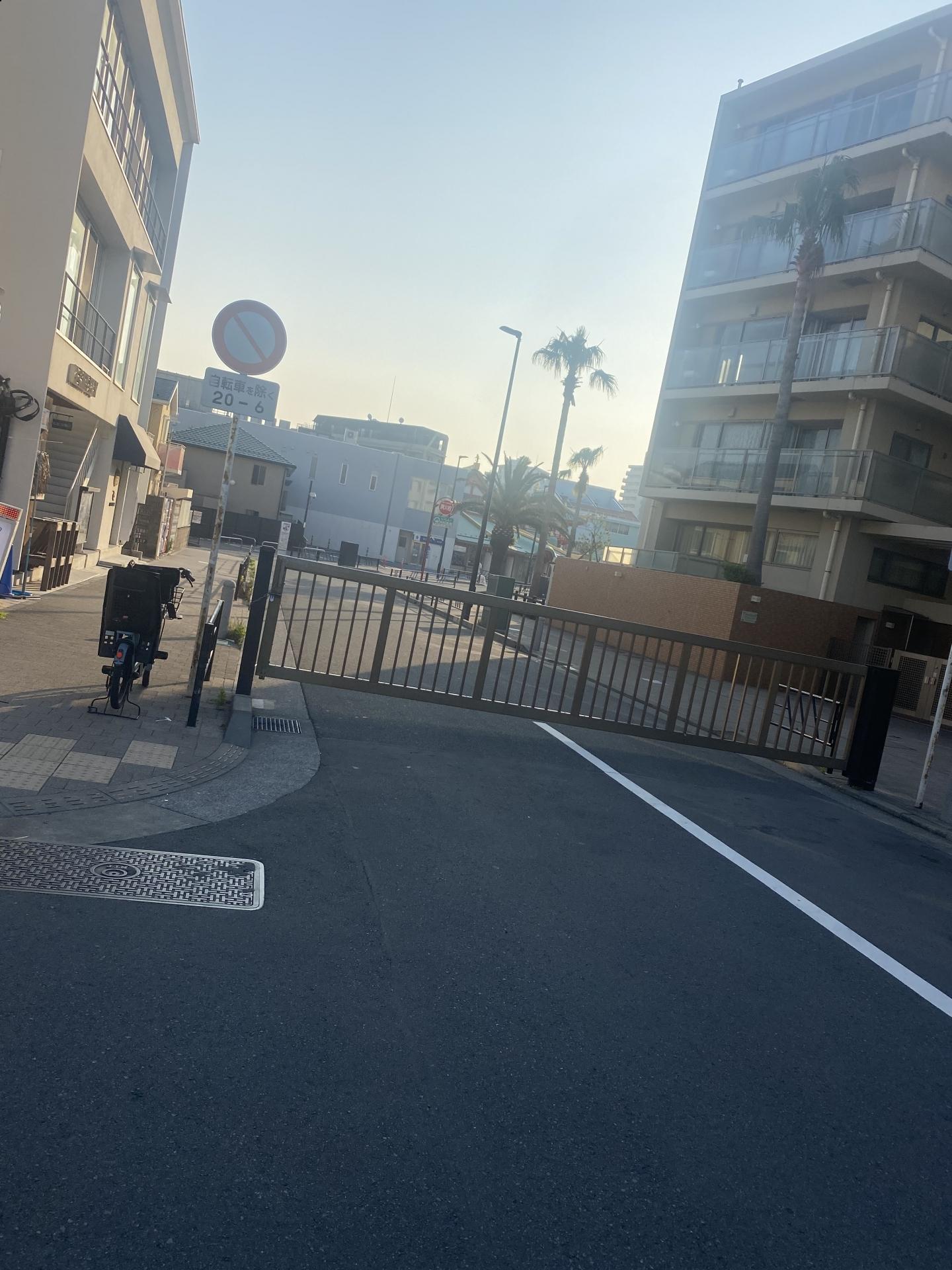 【421】 江の島駅